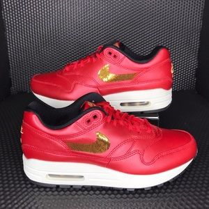 NIB Nike Air Max 1 - Women's Sz 6